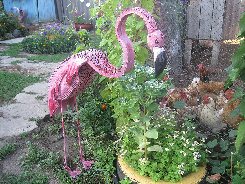 Repurpose-Old-Tire-into-Animal-Themed-Garden-Decor-39